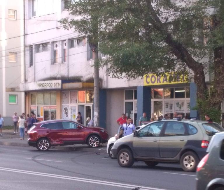 Baia Mare (FOTO): Doua accidente rutiere s-au produs in aceasta dimineata, pe Bulevardul Bucuresti - ACTUALIZARE