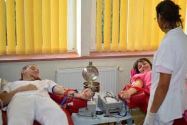 Angajati ai Spitalului de Pneumoftiziologie Baia Mare au donat sange