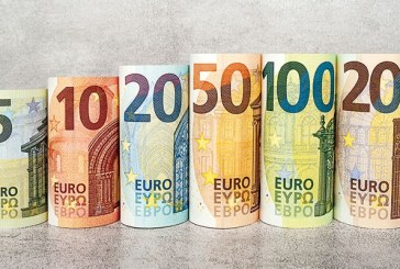 Euro nu a mai coborât sub 4,84 lei