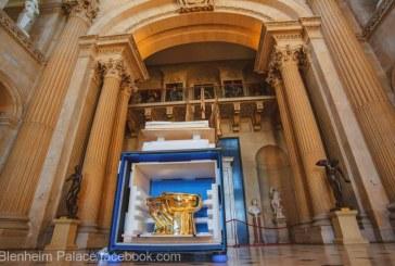 Marea Britanie – O toaleta din aur in valoare de un milion de lire sterline a fost furata din Palatul Blenheim