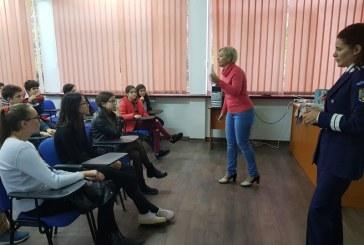 Politia Maramures: Seria activitatilor preventive in scoli continua in Baia Mare
