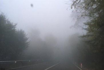 Ceata in Pasul Prislop. Circulatia rutiera pe drumurile publice din Maramures se desfasoara in conditii de iarna