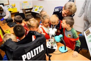 Copiii de la doua unitati scolare din Baia Mare au ajuns in laboratorul criminalistic al IPJ Maramures (FOTO)