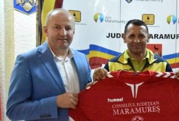 Vicepresedintele Doru Dancus sustine sportul maramuresean. Echipament sportiv pentru echipele de fotbal din Maramures, oferite de Consiliul Judetean