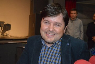"""Directorul Colegiului Tehnic """"George Baritiu"""" sparge gheata! Balul bobocilor se va face la teatru si nu la Casa de Cultura. ZiarMM.ro a publicat mai multe articole despre dezastrul din cladire"""