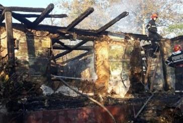 Casa din Vima Mare, distrusa de un incendiu (FOTO)