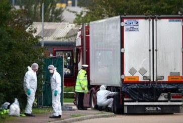 Migranti gasiti decedati intr-un camion, la est de Londra. 24 de familii vietnameze isi cauta copiii disparuti