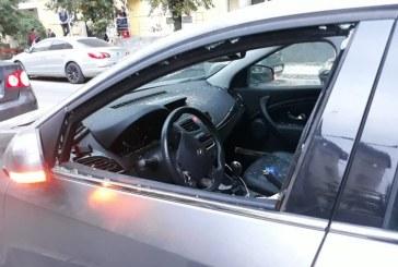 O angajata a Primariei Baia Mare a fost atacata cu bata de sot. Aceasta se afla in masina cand s-a petrecut incidentul (FOTO-ACTUALIZARE)