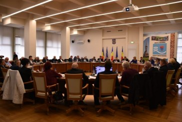 Iarna 2019-2020: Consilierii judeteni au discutat despre asigurarea conditiilor de circulatie pe reteaua de drumuri de interes judetean