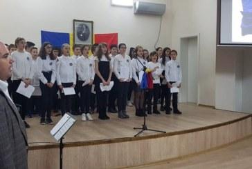 """Ziua Nationala a Romaniei a fost sarbatorita si de elevii si dascalii Colegiului National """"Vasile Lucaciu"""""""