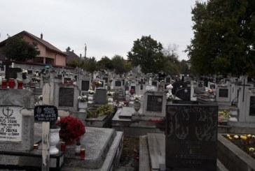 """Maramures: In acest weekend crestinii cinstesc """"Luminatia"""" sau Ziua Mortilor(FOTO)"""