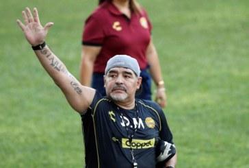 Fotbal: Maradona a anuntat ca revine ca antrenor la Gimnasia y Esgrima La Plata