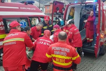 Un maramuresean care s-a accidentat la taiat de lemne a fost dus cu elicopterul la spital (VIDEO)