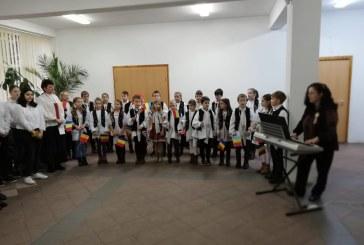 Activitati dedicate zilei de 1 Decembrie, la Scoala Gimnaziala nr. 18 Baia Mare (FOTO)