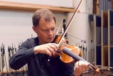 Marea Britanie: O vioara veche de peste 300 de ani uitata in tren a fost returnata proprietarului