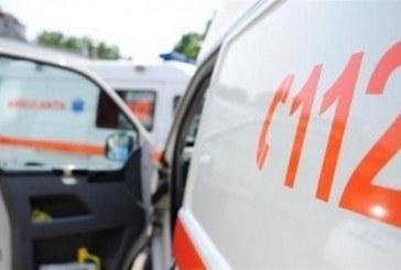 Doi tineri au ajuns la spital putin dupa miezul noptii. Acestia au fost victimele unui accident rutier produs la Poienile de Sub Munte