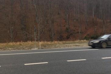 Drumurile naționale din județ sunt curate. La Borșa, drumarii au îmrăștiat 2 tone de material antiderapant