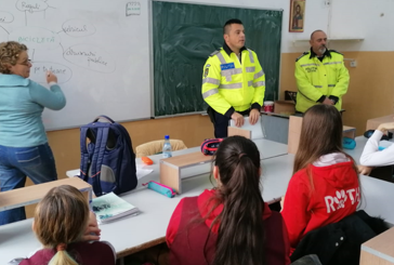 "Politistii baimareni au discutat cu elevi de la Scoala Gimnaziala ""Nicolae Iorga"""
