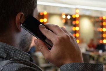 S-a intamplat in Baia Mare: I s-a furat telefonul in timp ce era intr-o conversatie