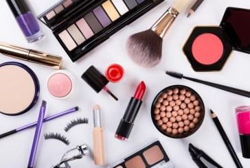 Tanar din Baia Mare cercetat de politisti dupa ce a sustras produse cosmetice dintr-un supermarket
