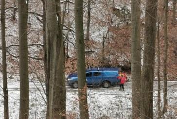 UPDATE: Barbat cazut intr-o padure din Baia Sprie. Salvamontistii intervin