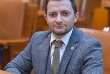 """Deputatul USR, Vlad Durus, interpelare la Ministerul Sanatatii: """"Coronavirusul nu poate fi oprit doar cu hartii, avem nevoie de masuri practice"""""""