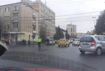 Baia Mare: Accident la intersectia bulevardului Bucuresti cu strada Culturii: Doua persoane au ajuns la spital (FOTO)