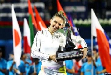 Imaginea zilei in lume: Simona Halep, castigatoarea turneului WTA de la Dubai, Emiratele Arabe Unite
