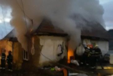Incendiu la o casa din Tautii Magheraus (FOTO)