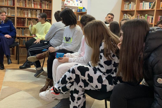Elevi si politisti din Baia Mare, intalnire pe tema sigurantei pe internet