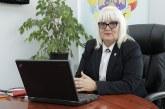 Senatorul Severica Covaciu solicită ministrului Educației oferirea unui laptop sau tabletă elevilor și studenților din familii nevoiașe