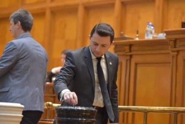 Durus (USR): Anularea alegerilor in doua tururi prin trecerea motiunii este un atentat la democratie