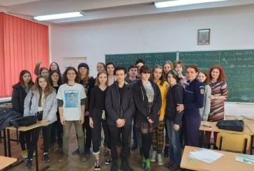 Campanie de prevenire a violentei de gen la Colegiul de Arte Baia Mare