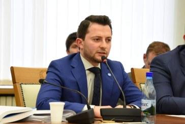 Eforturile deputatului Durus (USR) pentru a aduce bani la bugetul judetului, apreciate in plenul Consiliului Judetean