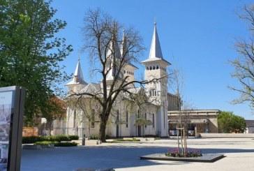 A doua zi de Paști: Liniște totală în jurul bisericilor din Baia Mare (FOTO)