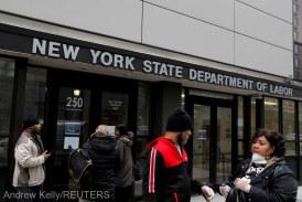 Un număr record de 6,6 milioane de americani au depus cereri pentru alocaţii de şomaj în ultima săptămână