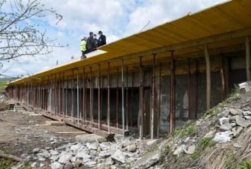 În Dragomirești se construiește un pod de traversare peste râul Iza