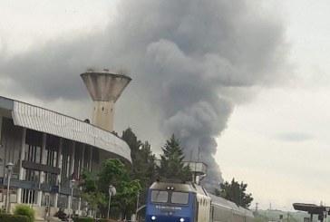 ACTUALIZARE-Un fum gros a atras atenția băimărenilor în această dimineață. Incendiul a fost semnalat la o hală de pe Unirii