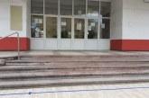 Elevii din anii terminali se întorc, marţi, la şcoală. Se fac fac numai activități de pregătire pentru examenele naţionale