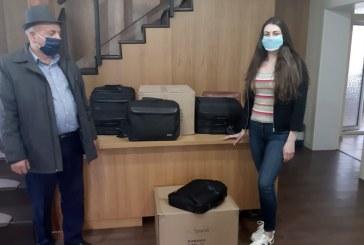 SLI Maramureș împrumută laptopurile Centrului său de formare pentru învățarea online