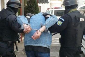 Doi tineri băimăreni au fost prinși după ce au furat din curtea unei societăţi comerciale din Baia Sprie