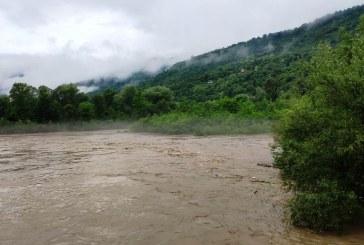 Inundații în Maramureș: Apele râurilor Tisa și Vișeu au produs pagube însemnate (FOTO)