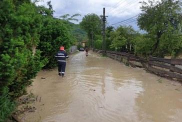 Mai multe localități din Maramureș au fost afectate de inundațiile de vineri