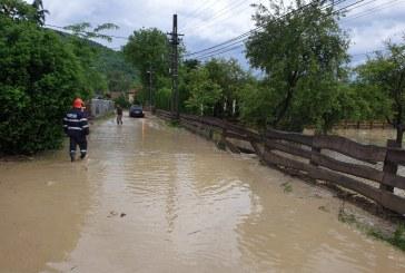 UPDATE – Rupere de nori: Inundații la Sighetu Marmației (FOTO)