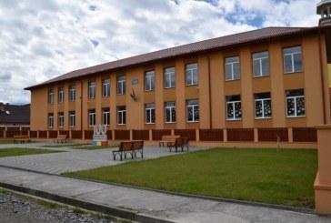 Absolvenții de gimnaziu din Ieud se pregătesc în siguranță pentru Evaluarea Națională. Consiliul Județean Maramureș a alocat fonduri pentru materialelor de protecție