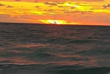 Fotografia zilei: Răsărit, Marea Neagră, Stațiunea 2 Mai
