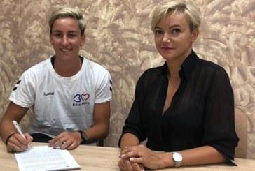 Cristina Laslo a semnat astăzi contractul cu CS Minaur