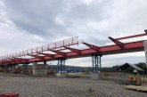 Se lucrează în ritm intens la podul de la Seini peste râul Someș