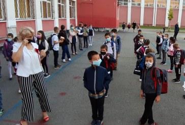 ÎNCEPE ȘCOALA -Toți ochii pe elevi, profesori și infectarea cu coronavirus