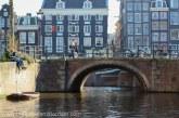 Amsterdam va folosi ghivece cu flori pentru a-i împiedica pe biciclişti să-şi parcheze bicicletele pe poduri